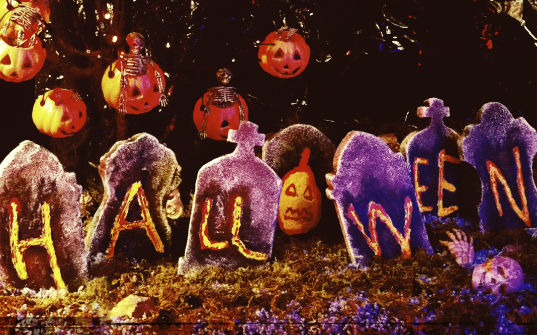 "Kay Lande and Wade Den­ning – ""Halloween"" – Stop Motion Music Video"