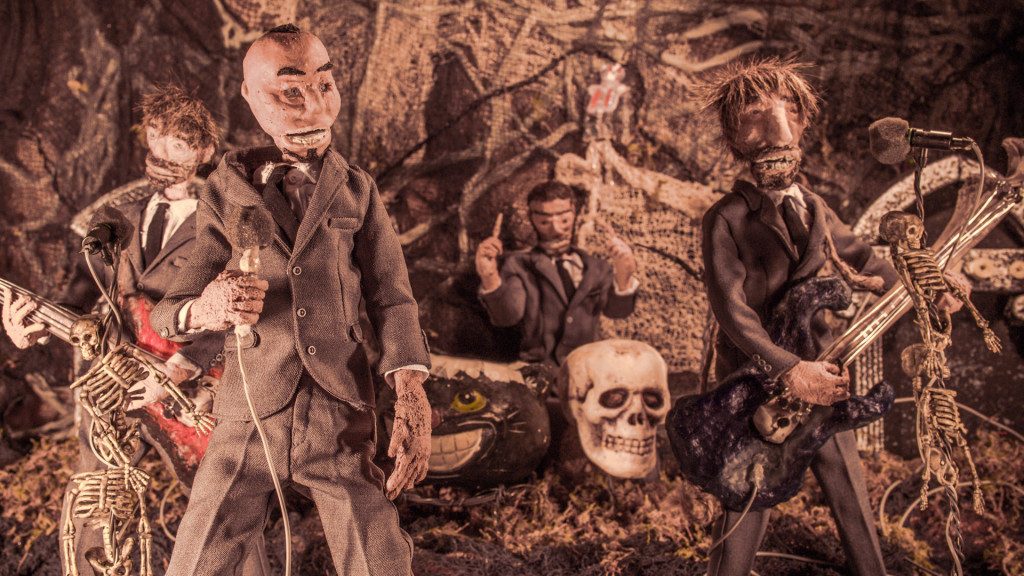 "The Heavy – ""Can't Play Dead"" – Stop Motion Music Video"