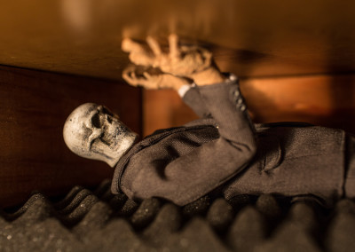 Scene 17 - A ghoul clawing at his coffin lid