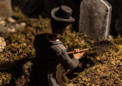 Scene 19 - Gravedigger at work